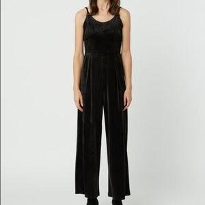OAK + FORT crushed velvet black dress